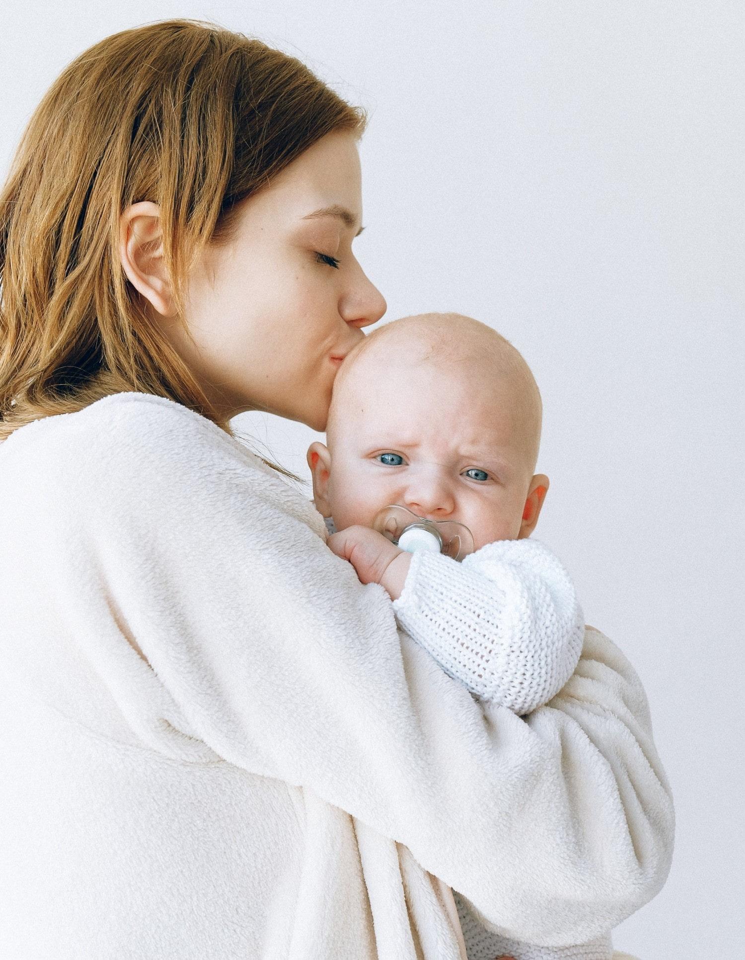 Влияет ли деформация головы на развитие ребенка? - Ортотис Премиум